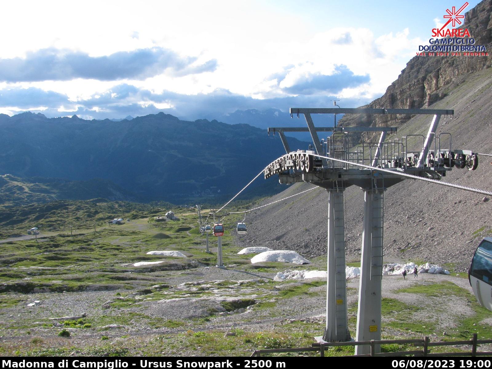 Webcam Arrivo cabinovia Grostè - Madonna di Campiglio